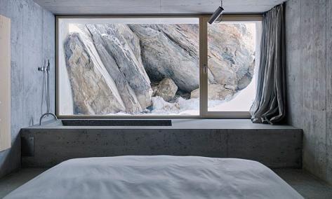 concrete house window