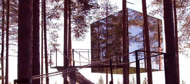 Mirror-Treehouse-In-Sweden-6