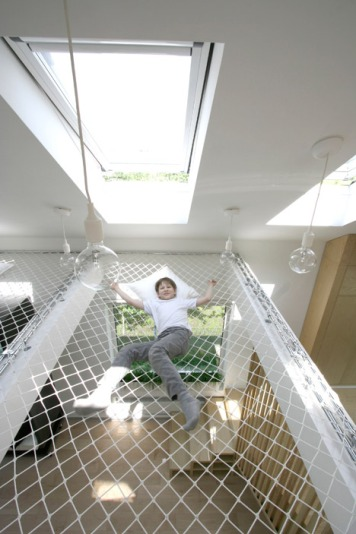 Interior-for-students-by-Ruetemple_dezeen_468_8
